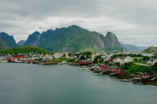 C'est de toute beauté : sites et lieux magnifiques de notre monde.  - Page 2 Iles-lofoten-norvege-2-600x398