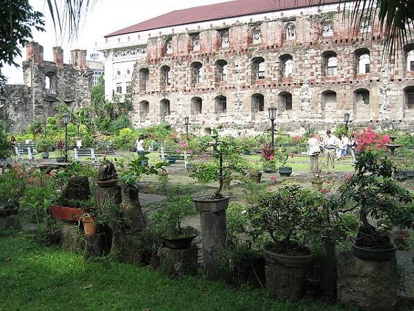 Intramuros Manille