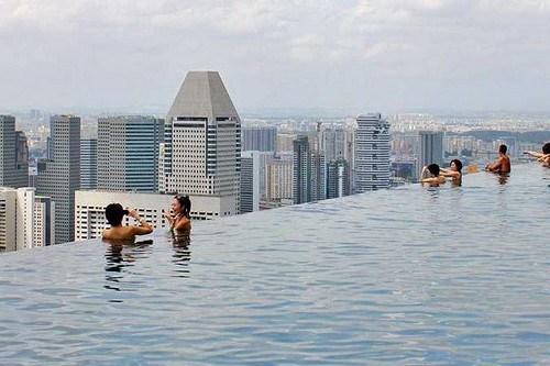 10 piscines qui vous donnent envie de plonger for Hotel singapour piscine