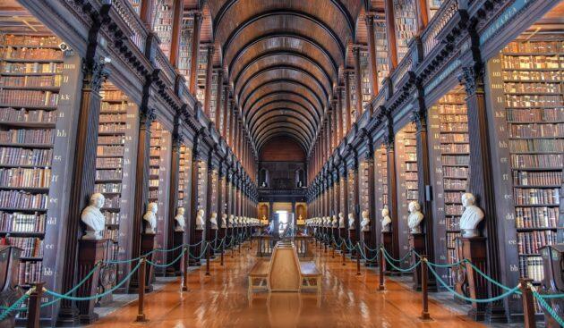 Visiter le Trinity College à Dublin : billets, tarifs, horaires
