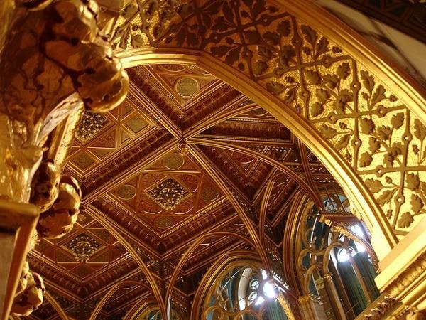 Plafond du parlement Hongrois