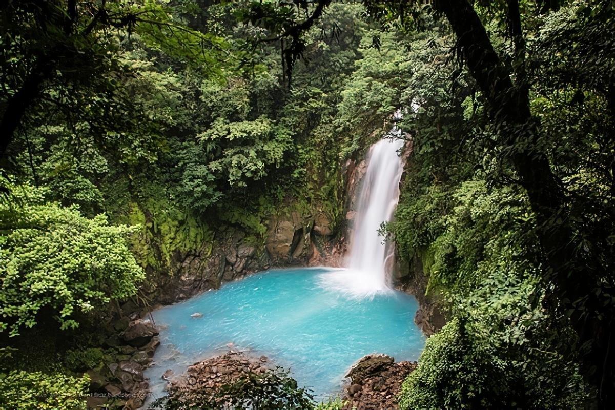 La cascade du Rio Celeste au Costa Rica