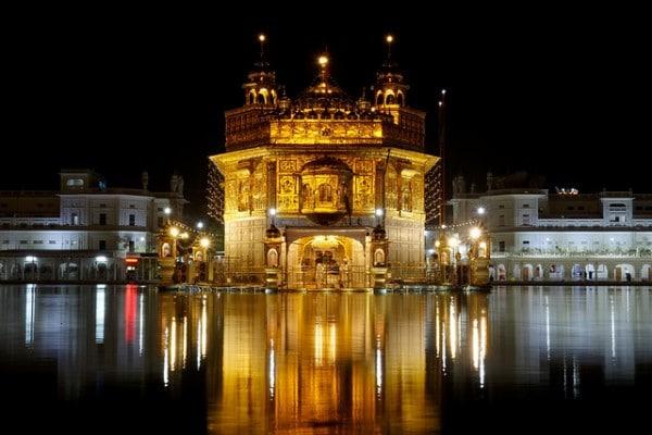 Temple d'Or de nuit, Amritsar, Inde