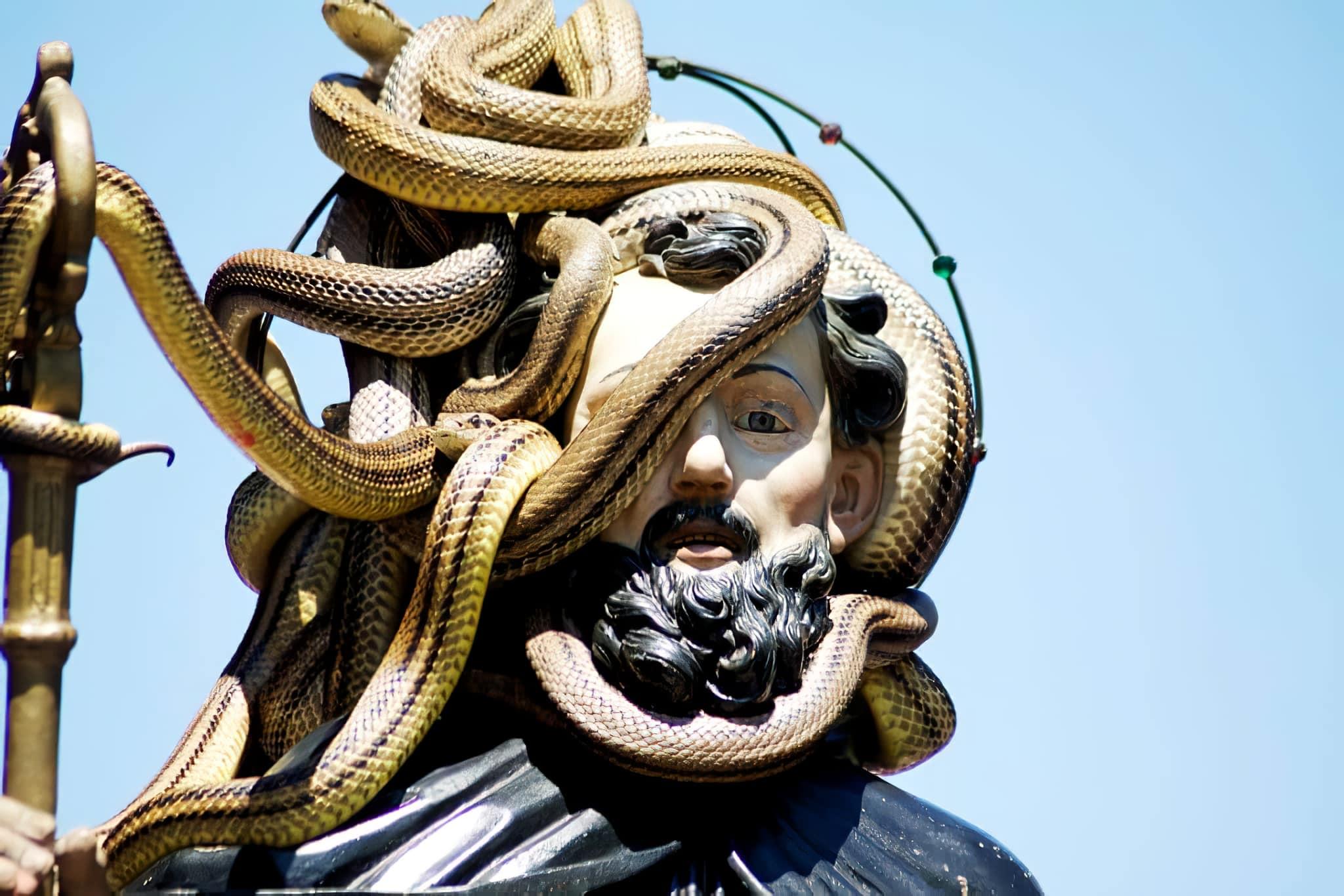Le Festival des serpents à Cocullo, en Italie