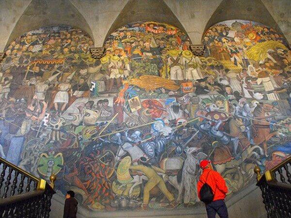 Fresques murales de Diego Riviera dans le Palais National à Mexico