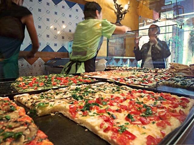 Pizza et Faina spécialité Uruguay