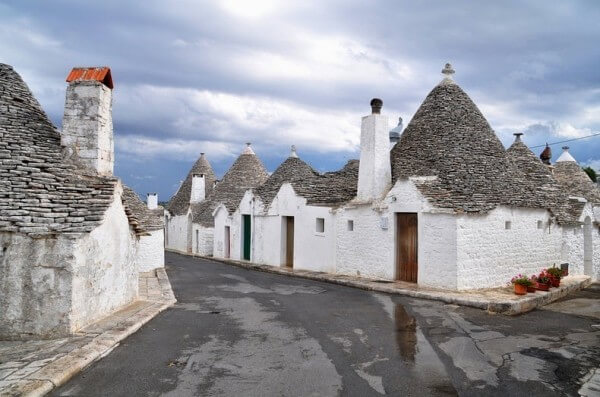 Les maisons trulli d 39 alberobello guide generation voyage for Comparateur hotel italie