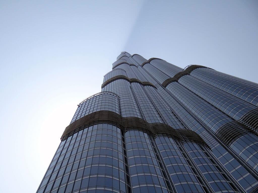 visiter la tour burj khalifa duba avec un billet coupe file. Black Bedroom Furniture Sets. Home Design Ideas