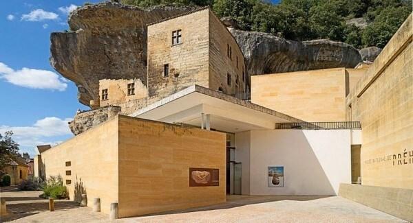 Les Eyzies-de-Tayac-Sireuil, grottes, cavités, maisons troglodytes, Dordogne