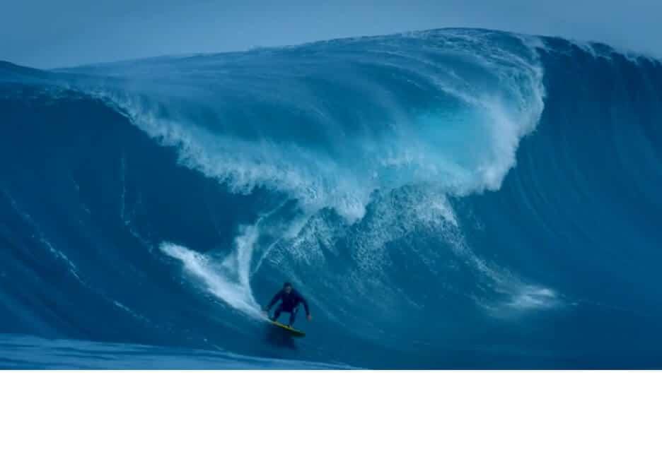 Il surfe la vague la plus dangereuse au monde