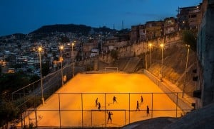 Sao Carlos favela terrain de foot
