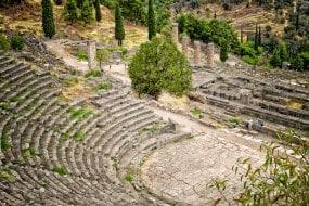 Théâtre Apollon à Delphes, Grèce
