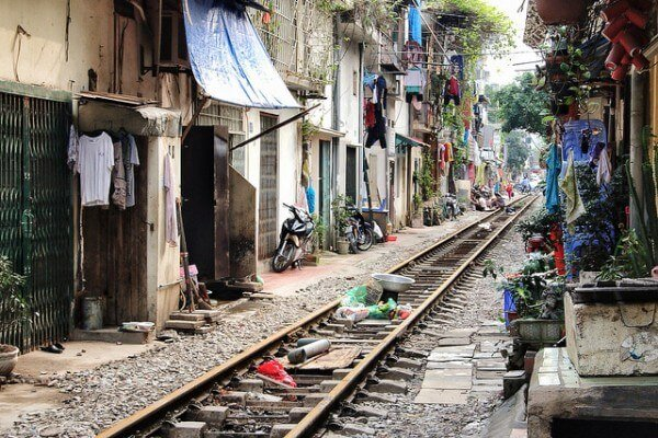 Train Hanoi