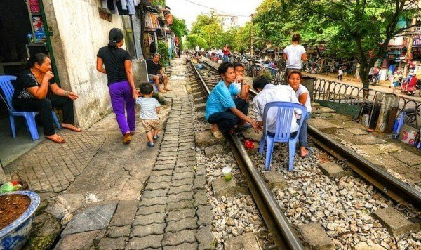 Train hanoi ruelles