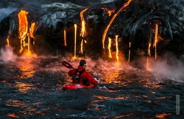 Faire du Kayak à côté d'un volcan c'est possible !