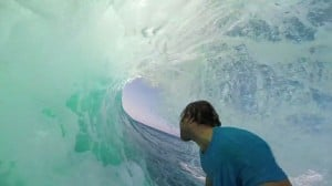 Anthony Walsh surf GoPro Indonesie