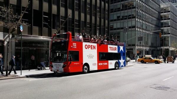 Visitez la grosse pomme en bus avec OPEN LOOP New York !