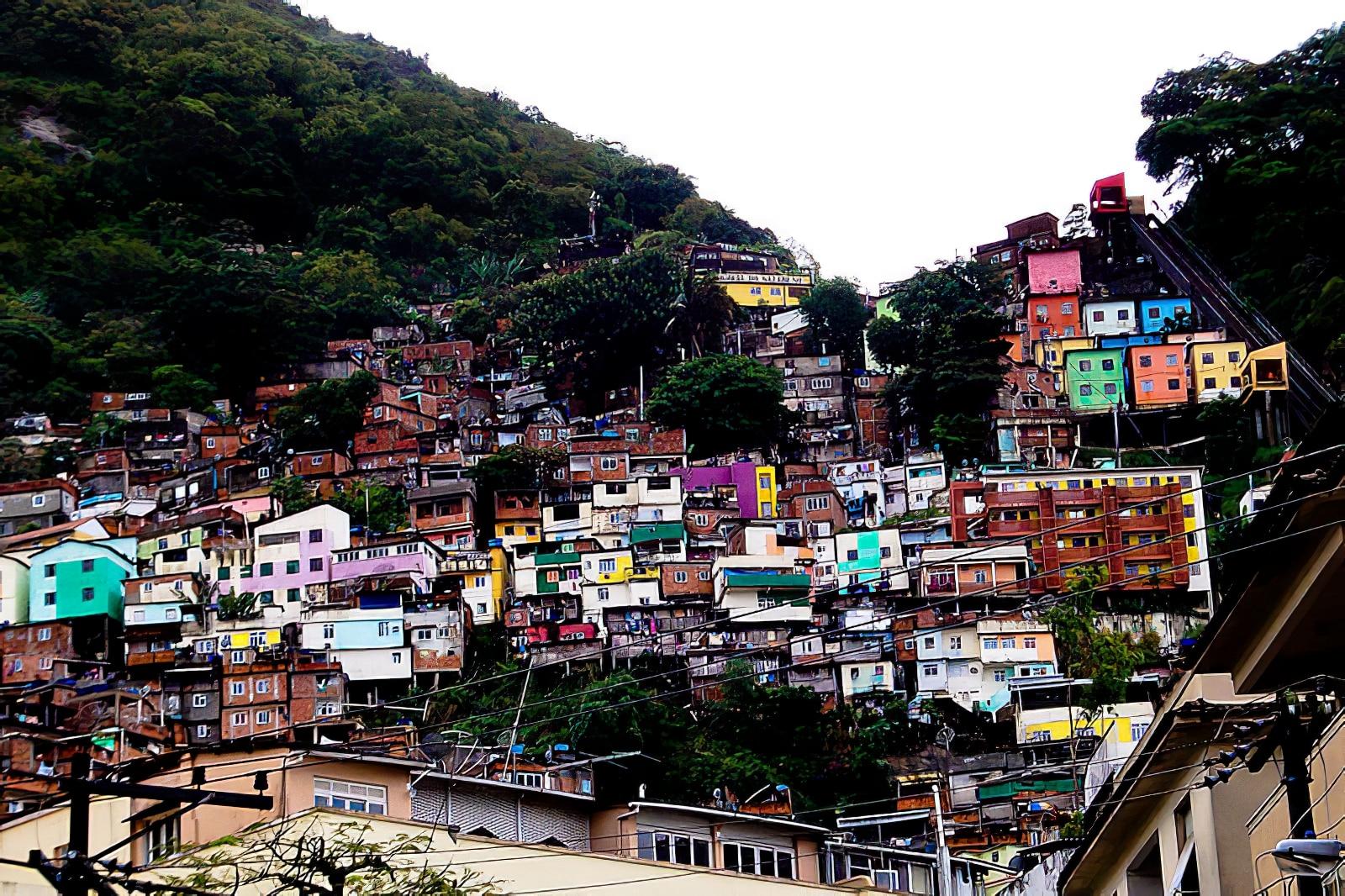 Explorer une favela de Rio de Janeiro en jeep