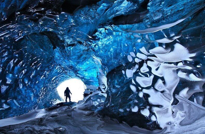 La grotte de glace à Skaftafell en Islande