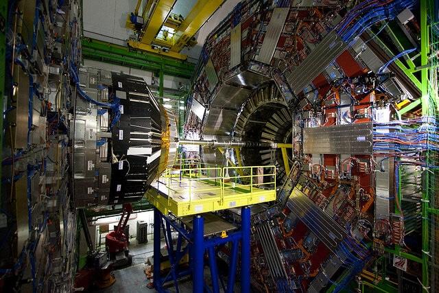Large Hadron Collider, accélérateur de particules, CERN, Suisse