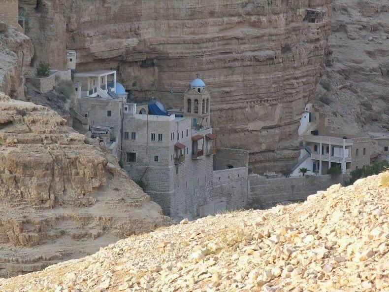 https://generationvoyage.fr/wp-content/uploads/2014/07/monastere-saint-georges-wadi-qelt-cisjordanie-3.jpg