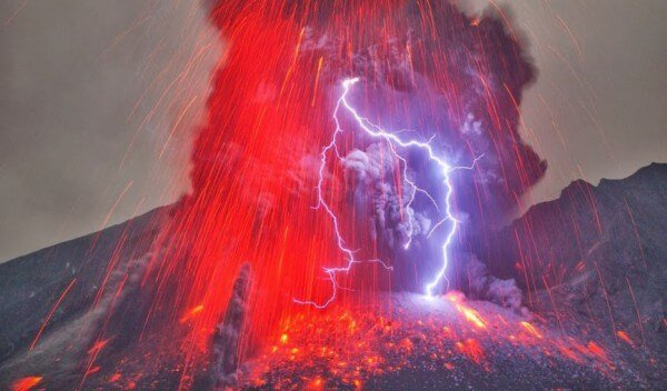 éclairs volcan