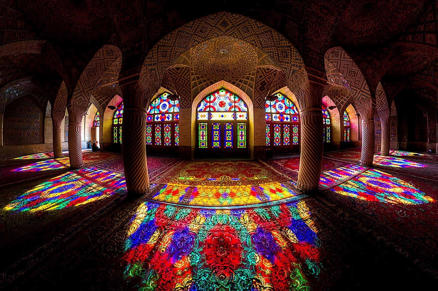 L'intérieur fascinant des mosquées et palais d'Iran