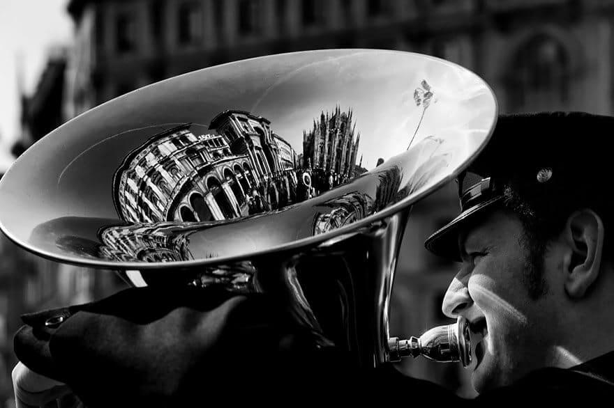 Reflet de Milan dans un tuba