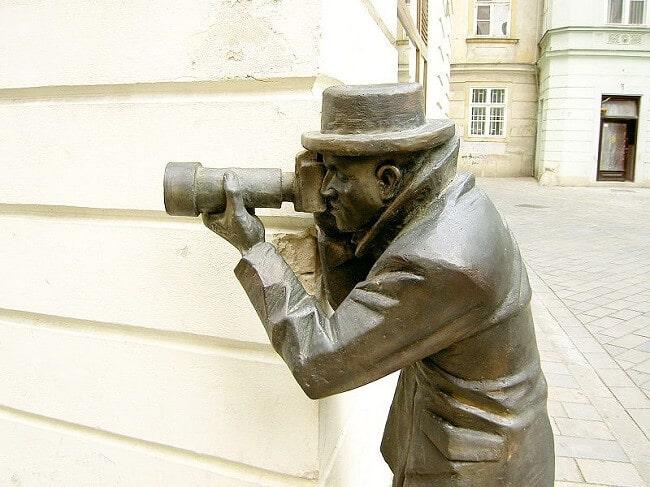Statue paparazzi Bratislava