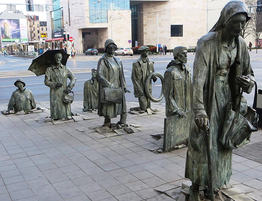 Statues créatives et originales dans le monde
