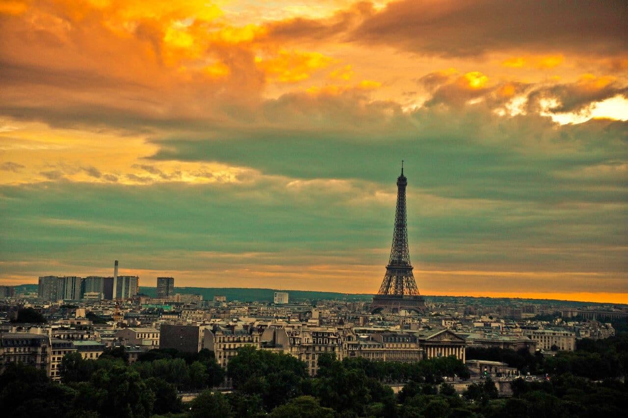 Visitez Les 3 Etages De La Tour Eiffel Avec Un Billet Coupe File