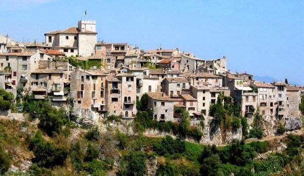 Villages perchés, Tourrettes-sur-Loup sur la Côte d'Azur
