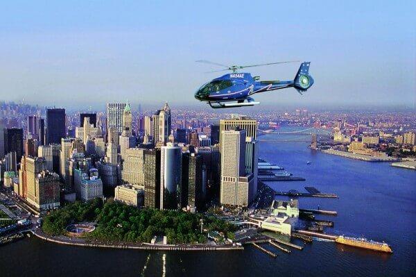 Incontournable : un vol en hélicoptère au-dessus de New York