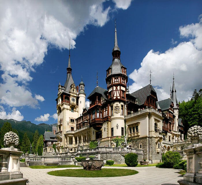 23 châteaux les plus beaux et magnifiques au monde