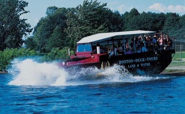 Visitez Boston de manière insolite en Duck Boat