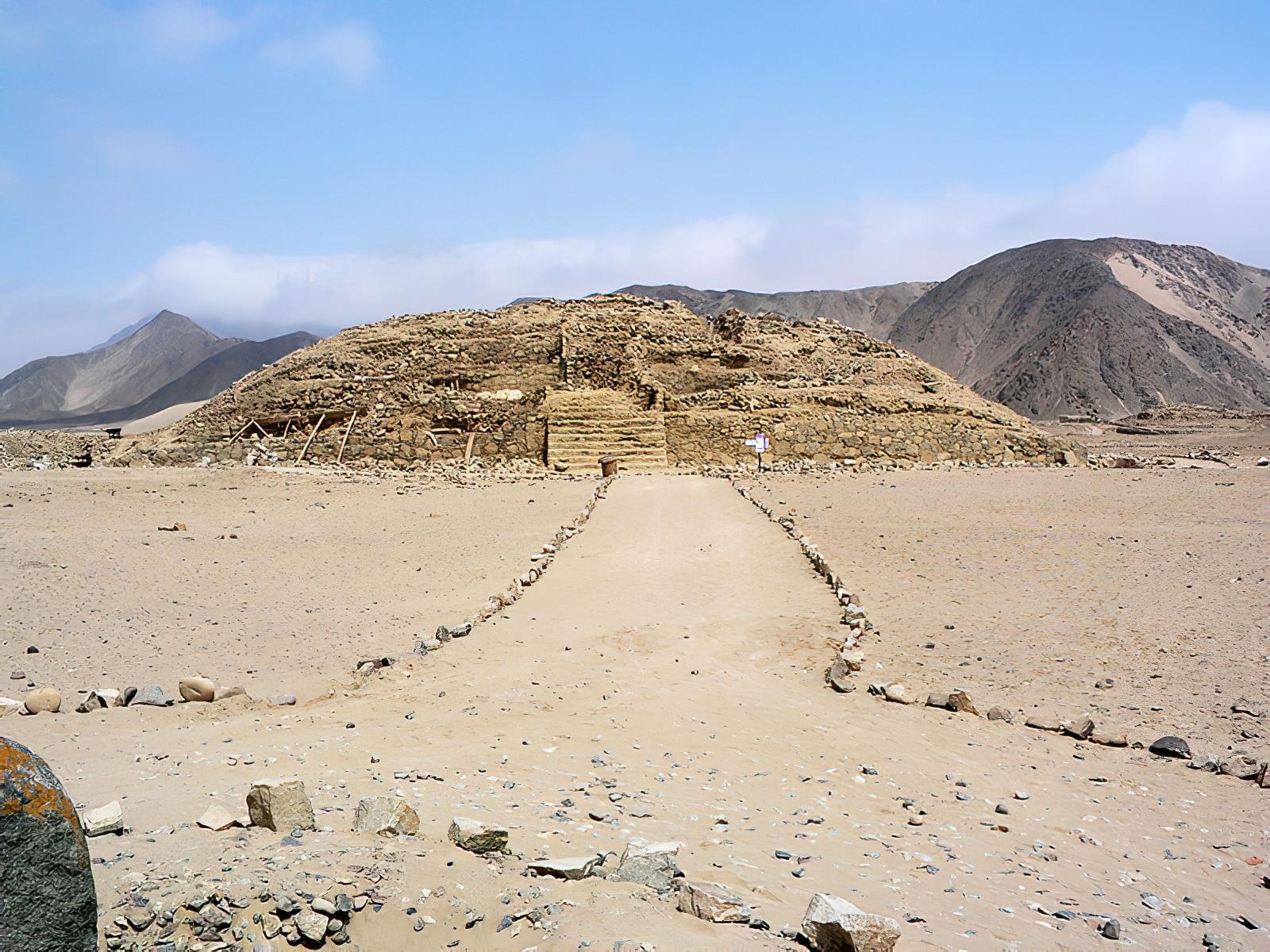 Visiter l'ancienne cité précolombienne de Caral depuis Lima