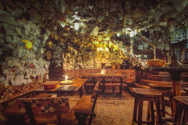 For Sale Pub : un bar insolite à Budapest