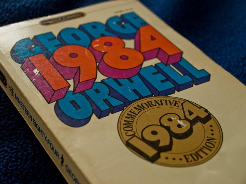 Voyager en Thaïlande avec 1984 de George Orwell, mauvaise idée