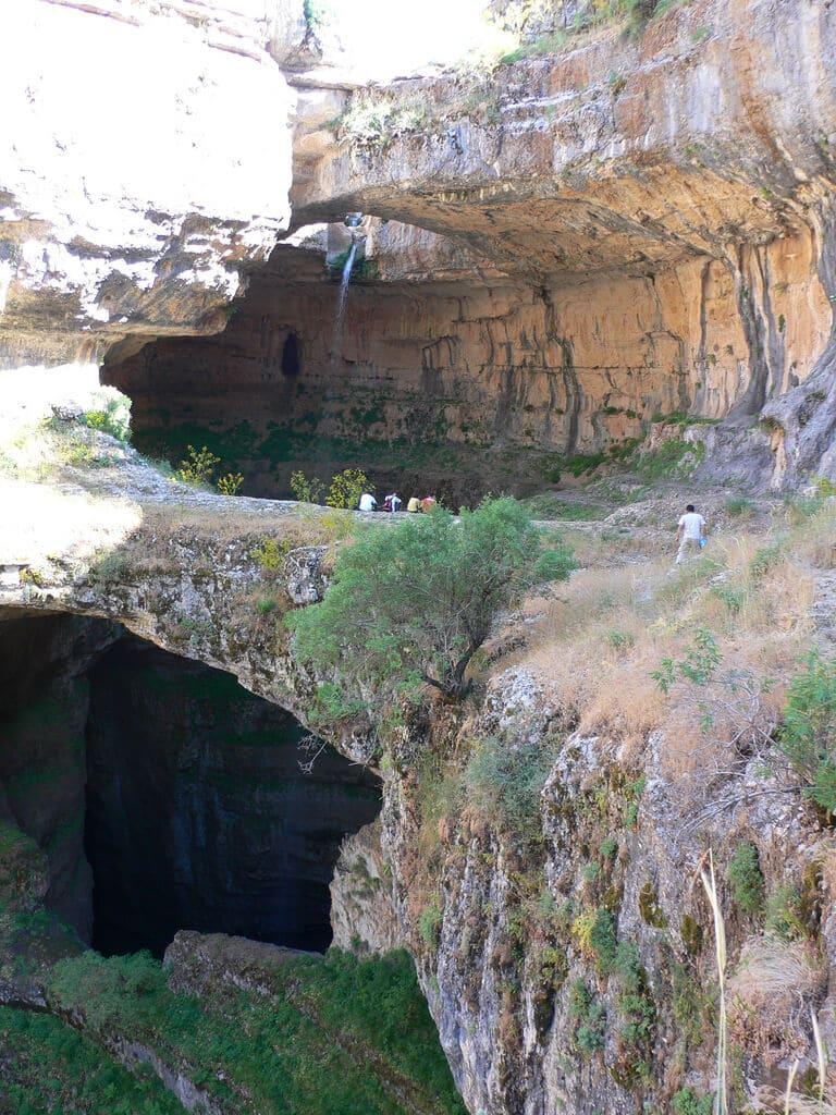 le gouffre de baatara  dit des  u0026quot trois ponts u0026quot   au liban