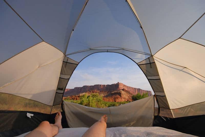 La raison pour laquelle vous ne regretterez jamais de dormir dans une tente