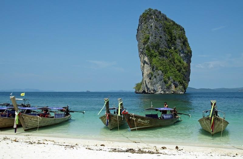 Plage de Poda en Thailande