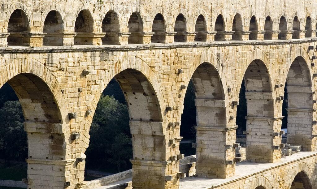 Visite du Pont du Gard de la ville d'Uzès jusqu'à Nîmes