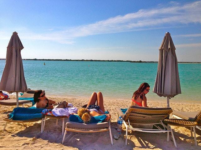 Plage de l'îlede Yas à Abu Dhabi