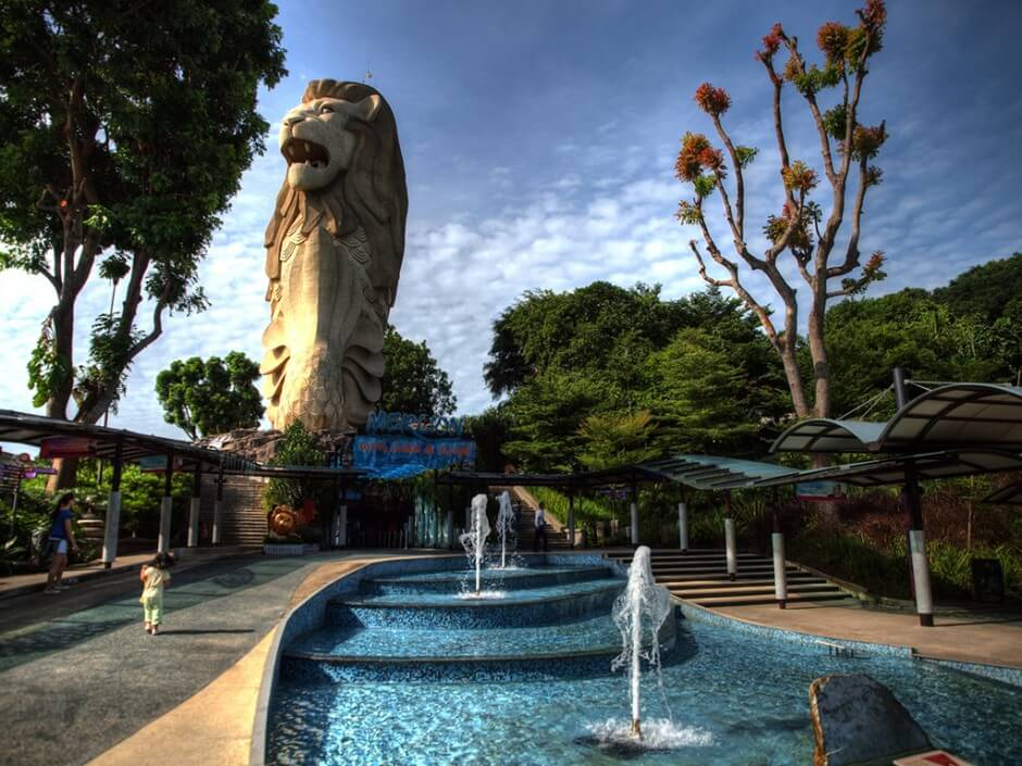 statues et monuments gigantesques, colossaux et énormes dans le monde