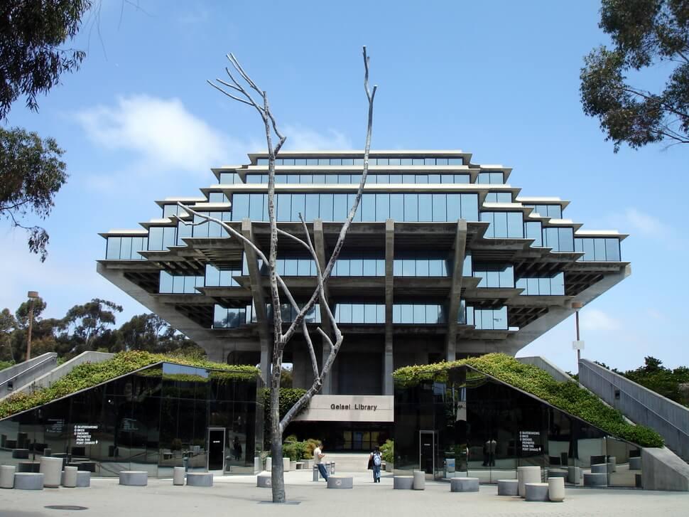 bâtiments du monde brisant les conventions de l'architecture traditionnelle