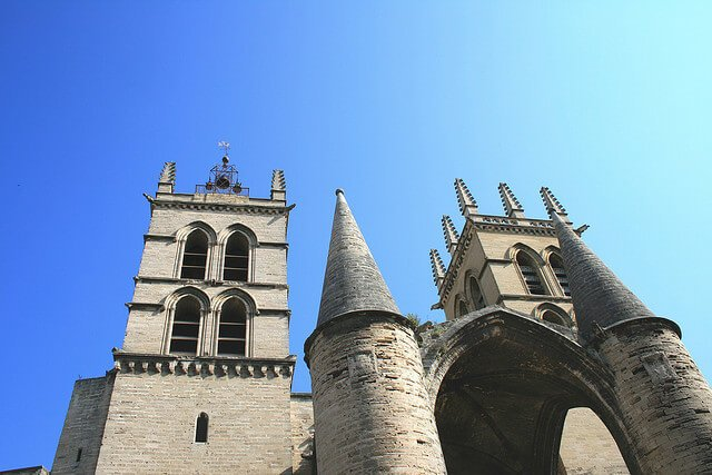 12 choses incontournables faire montpellier - Cathedrale saint pierre de montpellier ...