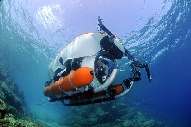 9 endroits fabuleux o faire du sous marin - Dessin sous marin ...