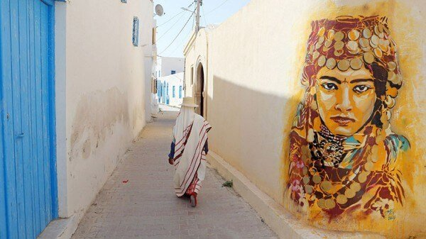 Le village d'Erriadh revit grâce au street-art avec Djerbahood