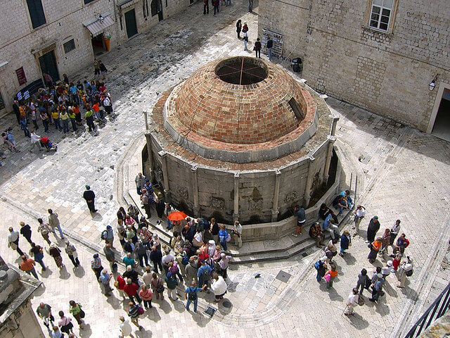 Grande fontaine d'Onofrio, Dubrovnik