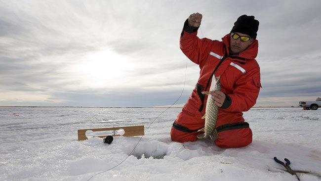 Pêche sur glace, pêche blanche, Canada